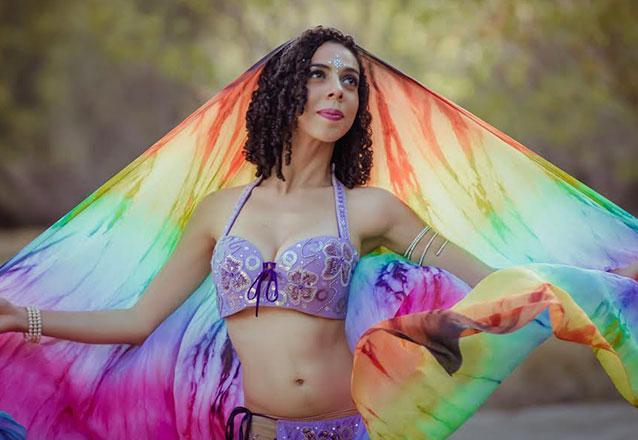 Aprenda dança do ventre e queime calorias! 1 Mês de Aula de Dança do Ventre (2h por semana) por R$87 no Espaço Rayzel