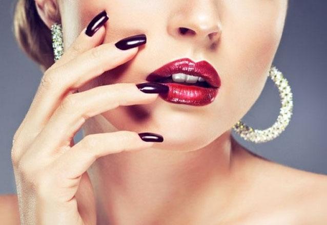 Alongamento de Unhas de Gel + Manicure por R$59,90