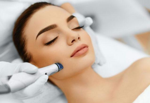 Limpeza de pele (Extração + Máscara Suavizante + Vitamina C) de R$60 por R$39,90