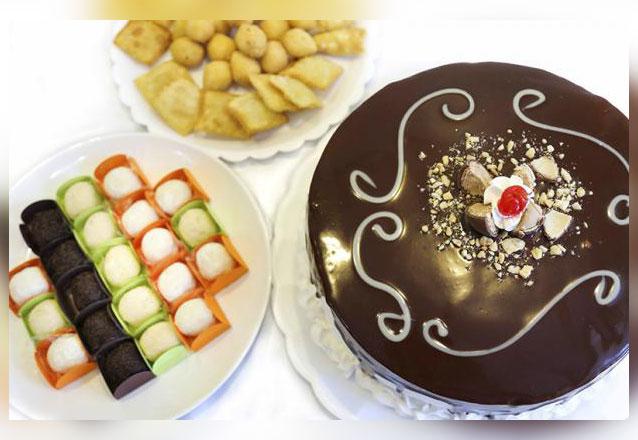 O kit da Damari para o seu momento especial! Torta de Ouro Branco ou Sonho de Valsa para 25 pessoas + 200 Salgadinhos + 50 Brigadeiros por R$169,90. Em até 2x sem juros!