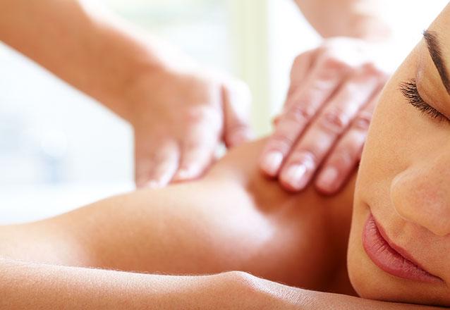 Fuja do estresse! Massagem relaxante para aliviar tensões e dores musculares com a Adiuza Leite de R$150 por R$74,90
