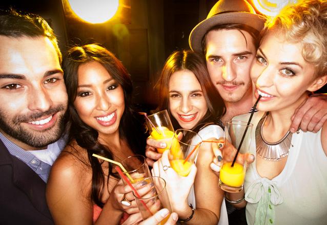 Os melhores drinks para sua festa! 300 Coquetéis COM e SEM álcool com 1 Barman por R$699 da TOP Drinks