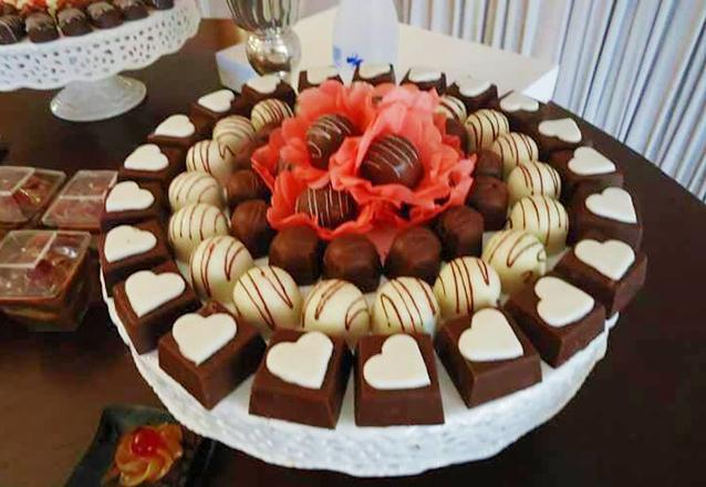 300 Chocolates + Peças + Montagem de R$700 por R$390