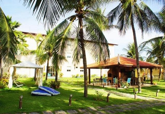 Conheça Pecém! 2 diárias para 2 pessoas e 1 criança de até 6 anos + café da manhã no Pecém Beach Hotel por apenas R$199,90
