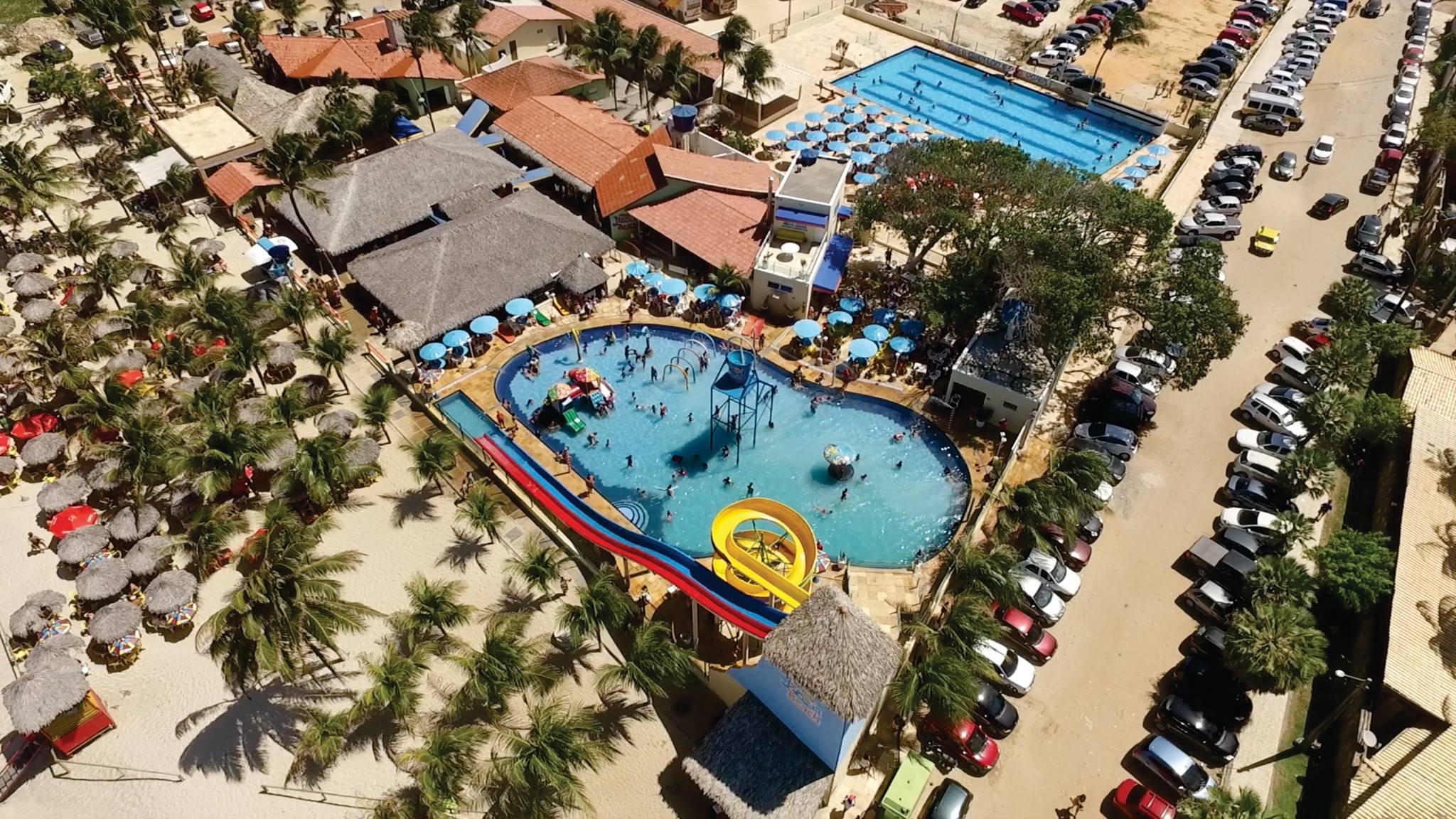 2 Passaportes para o Parque Aquático + 12 Bolinhas de Queijo e Batata Frita de R$158 por R$79,90
