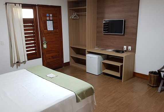 1 diária (de domingo a quarta) na Suíte Premium para casal + café da manhã + R$50 reais de crédito no restaurante do Hotel de R$460 por R$299