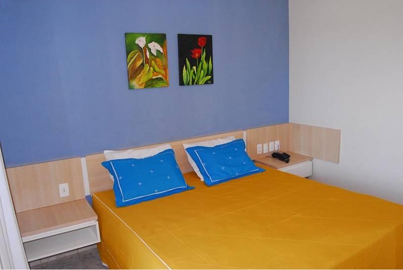 Você merece um desconto e é no Porto das Dunas! 2 diárias para 2 adultos com café da manhã de R$400 por apenas R$269 no Kalamari Hotel