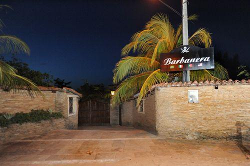 Férias no Barbanera Club! Tilápia Frita + Sobremesa + Acessos à Piscina para 2 adultos e 1 criança de até 5 anos por R$69,90