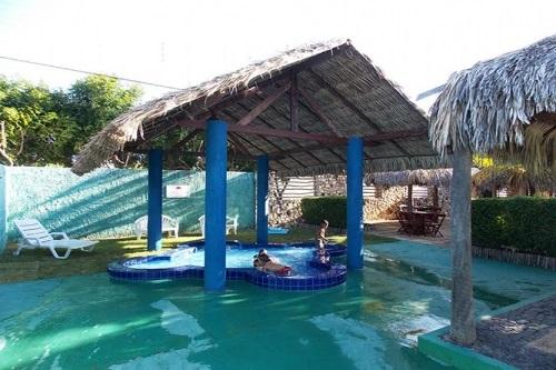 As melhores férias na Lagoinha a sua espera! 2 diárias para 2 adultos e 1 criança de até 8 anos + café da manhã por R$299,90 na Pousada do Sol