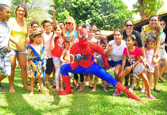 2 Adultos e 1 Criança + Atividades de R$80 por R$70