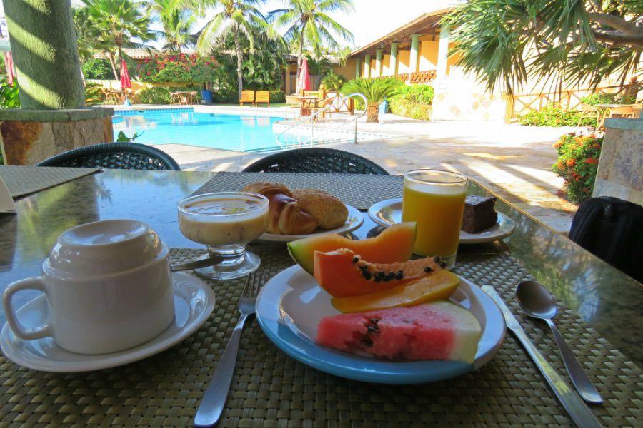 1 diária (domingo a quinta) para 2 adultos e 1 criança de até 6 anos + café da manhã de R$300 por R$147