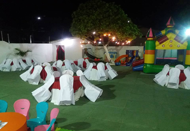 Serviço de Buffet para FESTA INFANTIL (todos os dias) para 60 pessoas + Decoração + Brinquedos + Serviço de pessoal + Iluminação e Som ambiente por R$1650