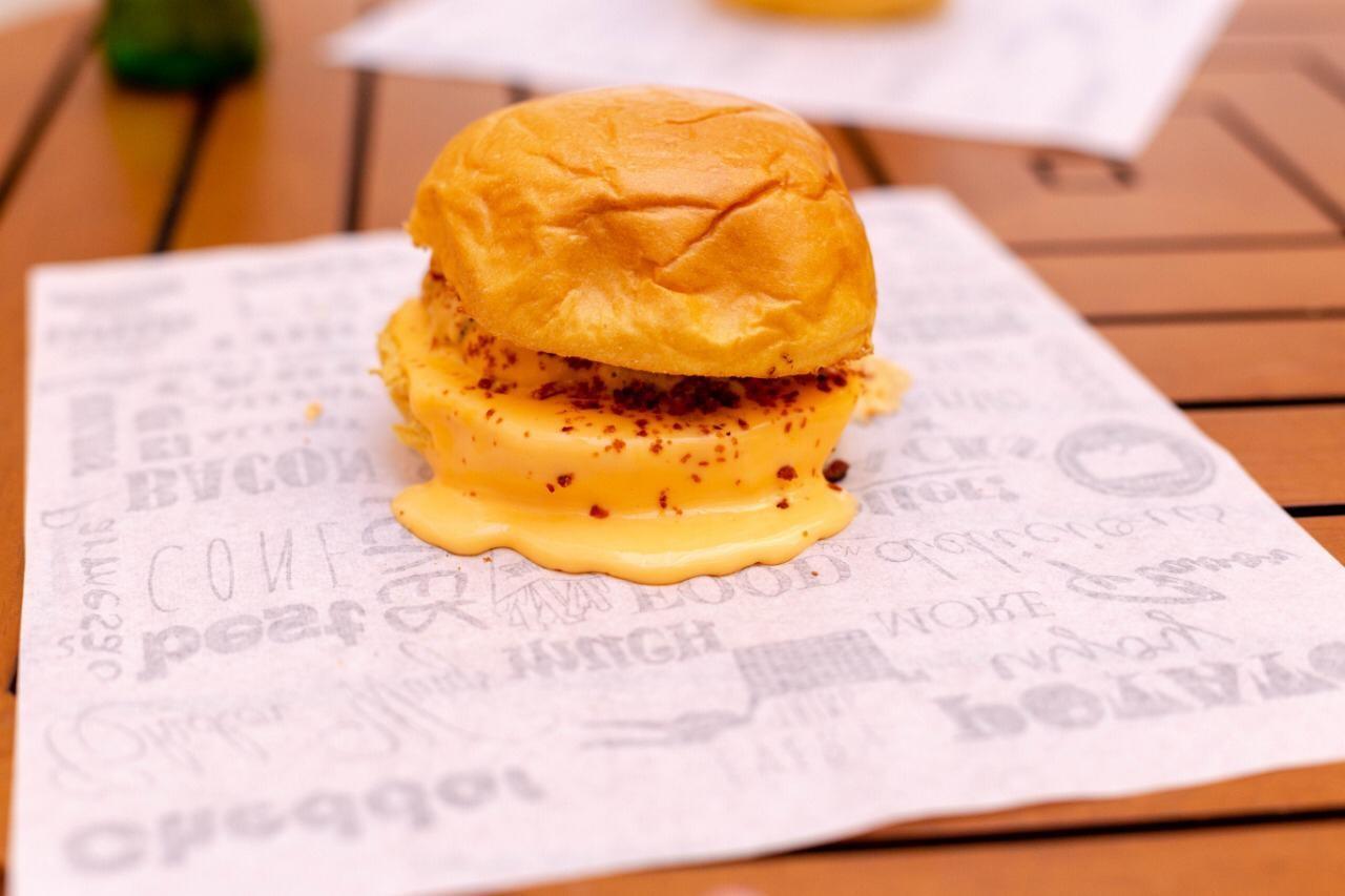 1 Cheese Burger de 180g de R$23 por apenas R$14,90