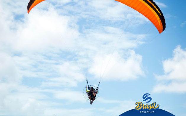 A segunda melhor opção em atividades ao Ar Livre segundo o Portal Tripadvisor! Voo Duplo de Instrução + (Fotos e Videos) por apenas R$169,90 com Brasil Adventure