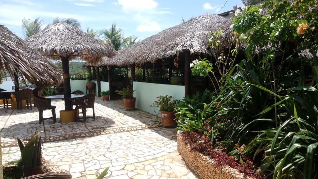 Vista incrível para o Rio e Mar! 2 Diárias para 2 Adultos com café da manhã de R$500 por apenas R$349 na Pousada Águas Belas Paraíso.