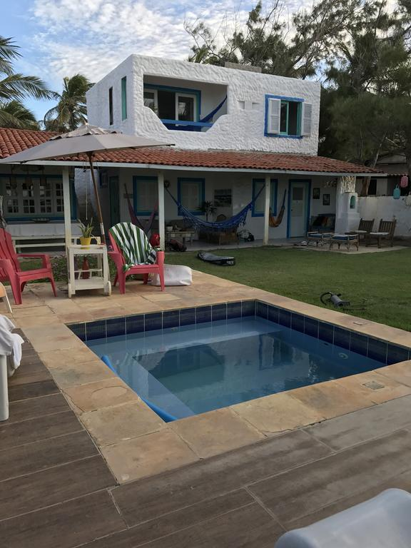 2 diárias em suíte inferior vista mar (ar condicionado e chuveiro elétrico) + café da manhã para 2 adultos de R$360 por R$299,99