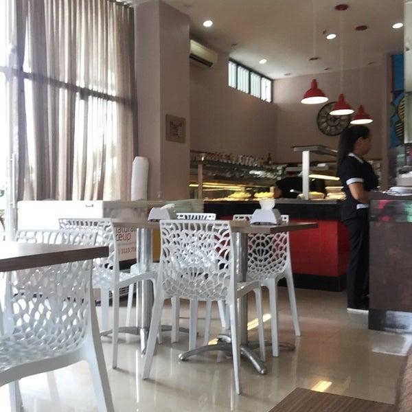 Almoço na Aldeota! Sirva até 500g no Buffet + Copo de Suco de R$27,45 por apenas R$17,90 no Flor de Jambu Bistrô