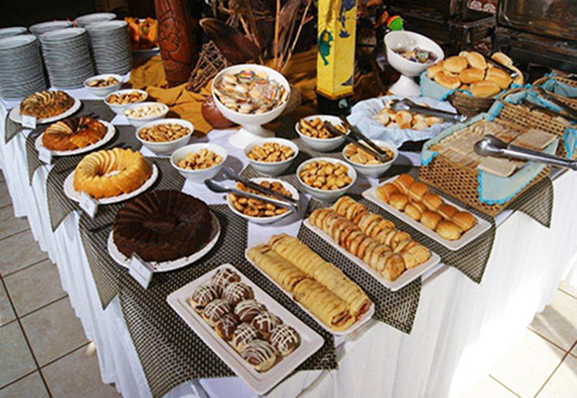 1 diária para 2 adultos e 1 criança de até 5 anos anos (domingo a quinta) + café da manhã de R$400 por apenas R$239,90