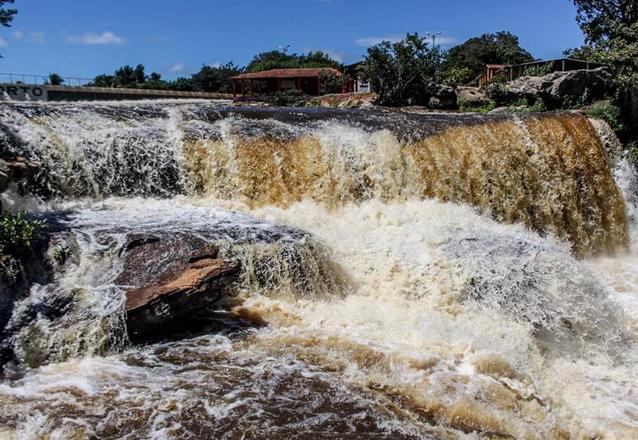 Curta o feriado em uma das serras mais bonitas do Ceará! 2 diárias para 2 adultos e 1 criança de até 8 anos + café da manhã por R$249,90 na Pousada do Major, em Ubajara.
