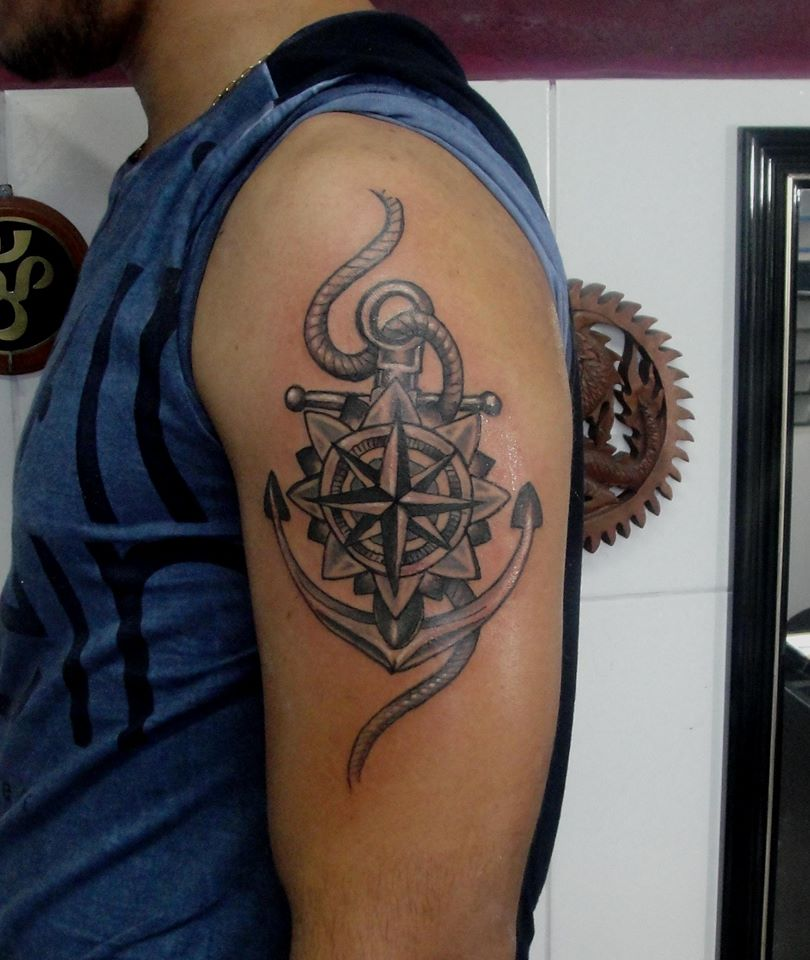 Trabalho de nível internacional! Tatuagem minimalista de até 10 cm na Fortaleza Tattoo de R$150 por apenas R$80