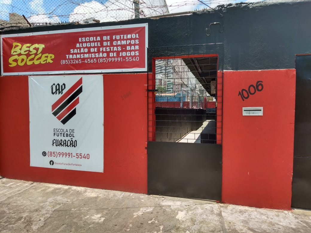 Seu filho vai ser um craque de bola! Escolinha de futebol do Atlético Paranaense aulas 2 dias por semana de R$100 por R$89 na Best Soccer