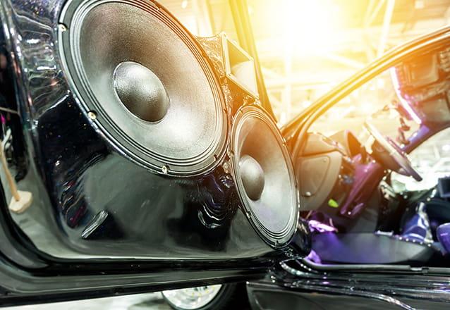 Para você viajar escutando a playlist que mais gosta com o melhor som! Auto Radio com USB Pioneer + Kit de Alto Falantes com Instalação + 1 ano de Garantia por R$399,90 no OPelicano