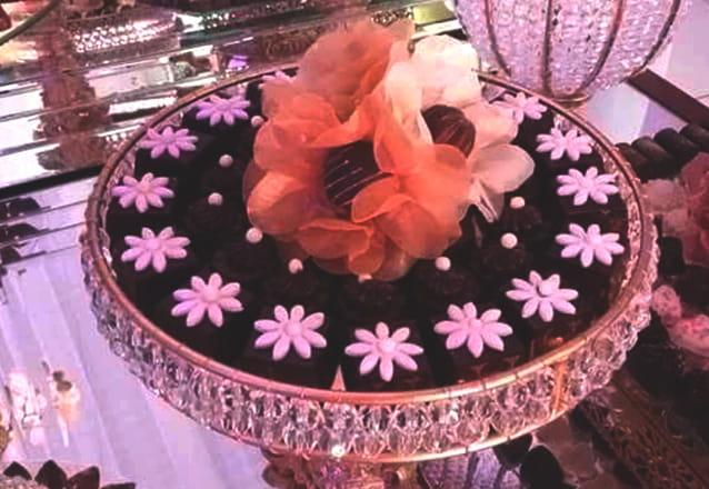 Kit Festa Light 150 itens - 100 chocolates + 10 pirulitos + 20 popcakes + 20 mini cupcakes de R$250 por R$150