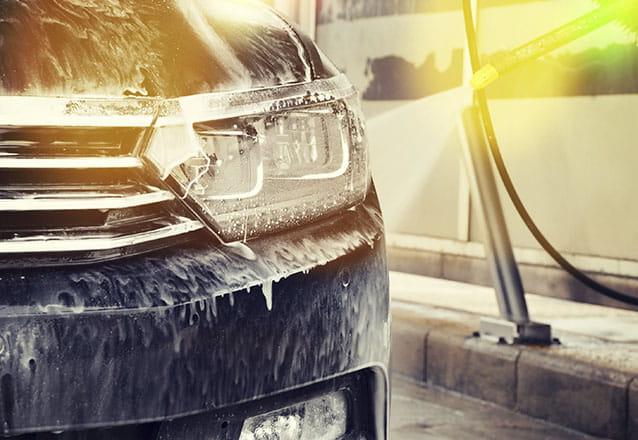 Lavagem de Bancos de tecido a seco ou lavagem ou hidratação de bancos de couro + Lavagem Interna para veículos pequenos de R$120 por R$27,90