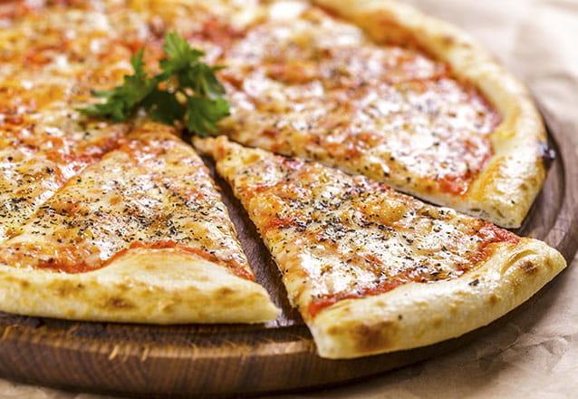 Rodízio de Pizzas + Esfihas para 1 pessoa de R$22,90 por apenas R$15,90